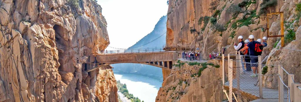 Se smukke Caminito del Rey, også kaldt 'kongestien' med Single Rejser. Rejs alene sammen med andre